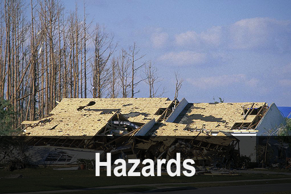 Tornado damage to structures. (© Michael Collier)