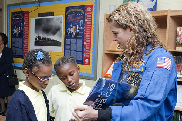 Canadian Space Agency astronaut talking with students. Photo Credit: (NASA/Paul E. Alers)