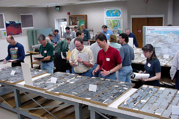Discussion at the 2001 National Petroleum Reserve - Alaska Core Workshop. (Credit: Courtesy United States Geological Survey)