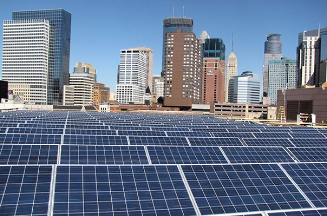 Photo of a 600 kW solar electric system on the Minneapolis Convention Center