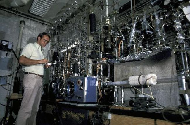 Carbon-14 dating laboratory at the University of Arizona