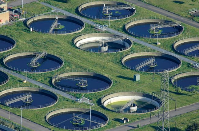 Water processing plant. Image Copyright © iStock.com/ewenjc