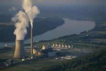 Coal-fired power plant at Westport, Kentucky. Image Copyright © Michael Collier