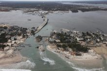 GOLI Course: Planning for Coastal Storm and Erosion Hazards; Image credit: USGS/USFWS - photo by Greg Thompson